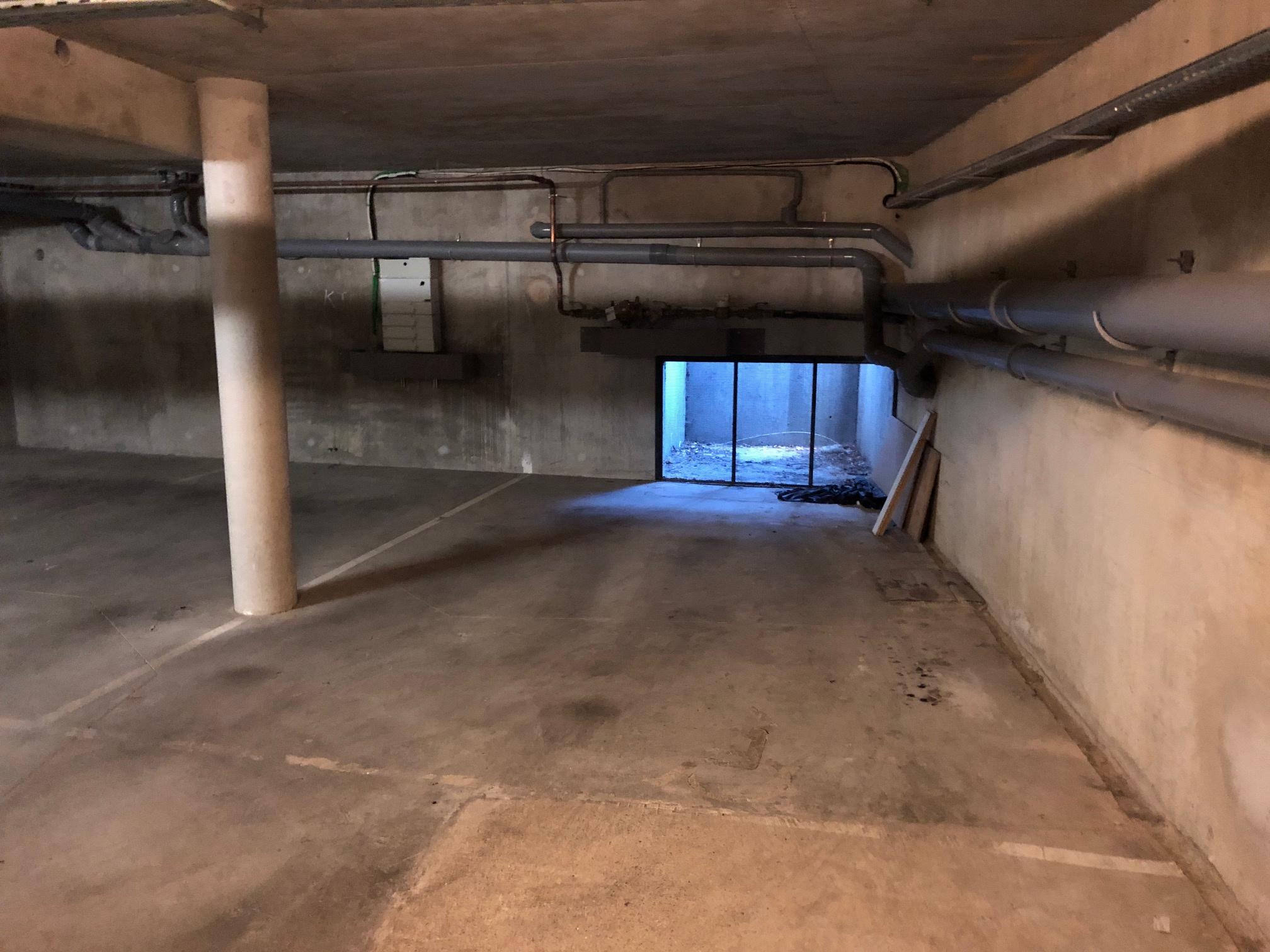 Location Parking/Garage emplacement  parking sous-sol sécurisé dans Résidence Moderne Noisy le grand